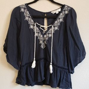 4/$25 Abercrombie and Fitch Flowy Tie Front Blouse